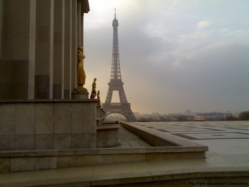 the-eiffel-tower-one-morning